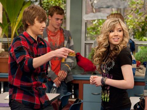 "iCarly: Pictures from Episode ""iOMG"""