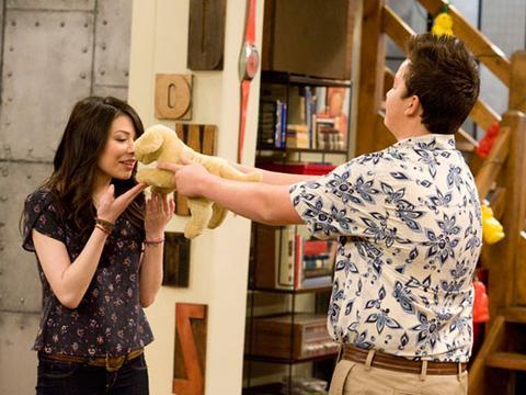 iCarly: foto dall'episodio Esco con Sam e Freddie