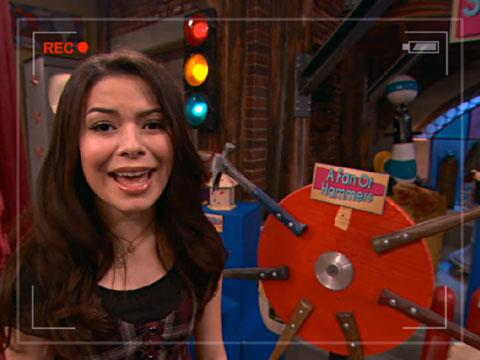 "iCarly: ""iSell Penny Tees: Junk Auction!"""