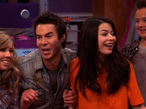 "iCarly: ""iGot a Hot Room: Voila!"""
