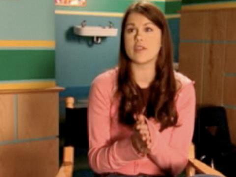 "Extra Scoop: Ned's Declassified: ""Lindsey Declassified"""