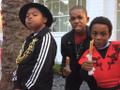 Benjamin Flores Jr. e seus amigos Damarr e Tylen se deliciando com churros!