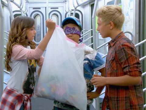 Game Shakers: Subway Smells Challenge!