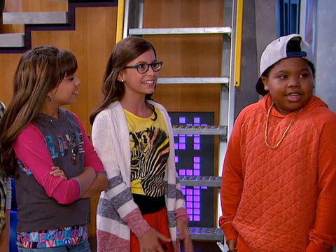 GAME SHAKERS | S1 | Episodio 07 | Trip se roba el Jet