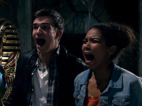 "House of Anubis: ""House of Revelations & House of Questions"""