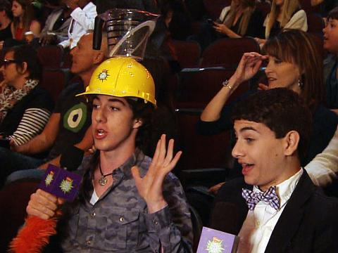 Kids' Choice Awards 2013: Noah and Troy's Slime Helmet