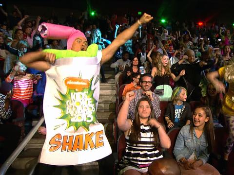Kids' Choice Awards 2013: Josh Duhamel and the Kids' Choice Shake!