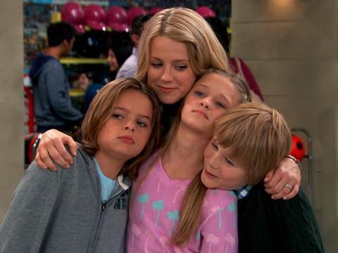 "Nicky, Ricky, Dicky & Dawn: The Quadfather: ""Birthday Time!"""