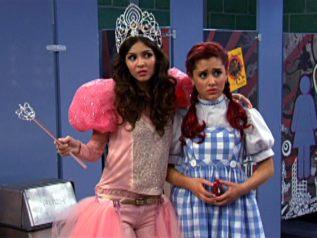 "Victorious: ""April Fool's Blank: A Bathroom Classic"""