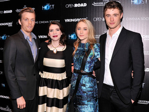 "Saoirse Ronan, Jake Abel, Max Irons & Stephenie Meyer Talk ""The Host"""