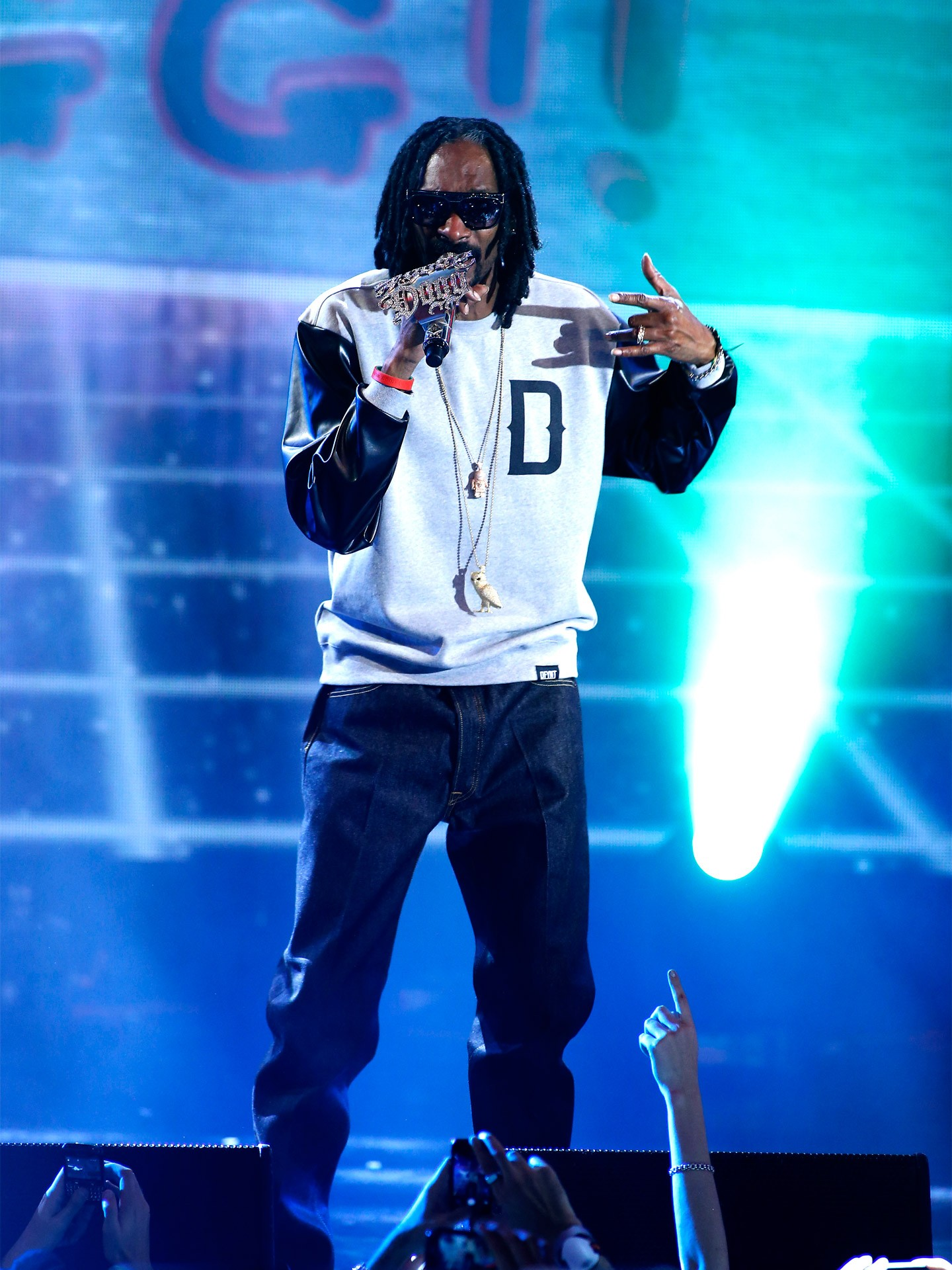 mgid:file:gsp:scenic:/international/mtvema/2013/images/_night-of/performers/Snoop-Dogg-Getty-Images-for-MTV-187598753.jpg