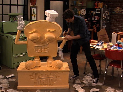 iCarly | Short | Escultura do Spencer