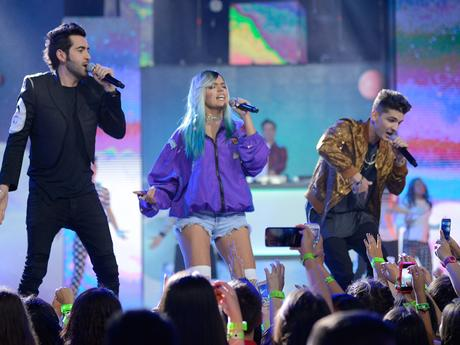 Actuaciones en Vivo - Kids Choice Awards Colombia 2016