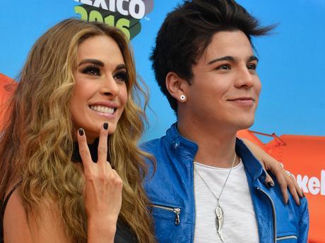 Más sobre Orange Carpet - Kids Choice Awards Mexico 2016