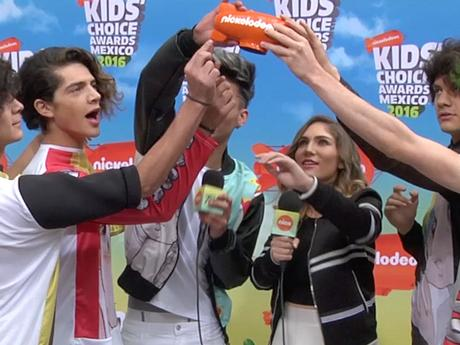 KCA MEXICO 2016 | ORANGE CARPET | Entrevista CD9