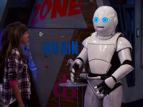 Game Shakers | Short | Migo, el Robot