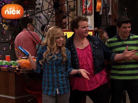 iCarly | Short | Disfraces Raros