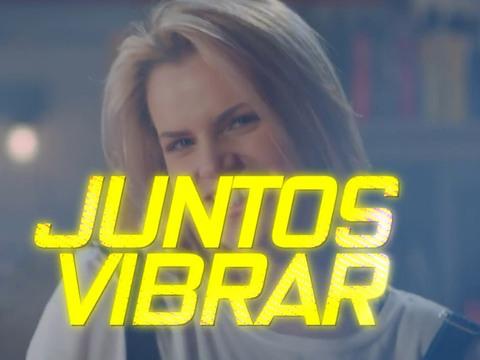 "Vikki RPM | Short | ""Juntos"" - Lyric Video"