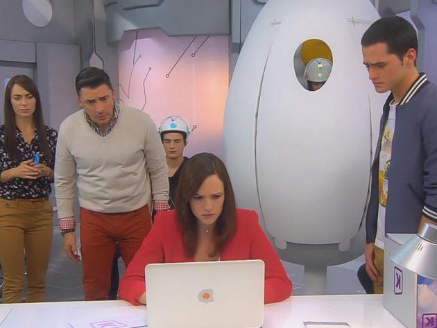 Eu Sou Franky | S2 | Episódio 82 | Franky e os androides enfermeiros