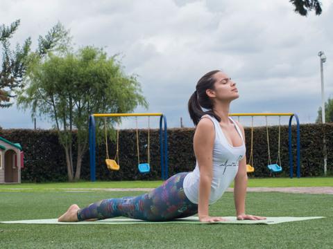 ¡Yoga en el set!