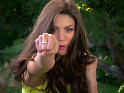 Kira Kosarin prova il kung fu!