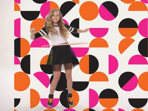 Can Brec Bassinger hula-hoop for 30 seconds?