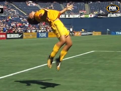 SAM KERR - BACKFLIP