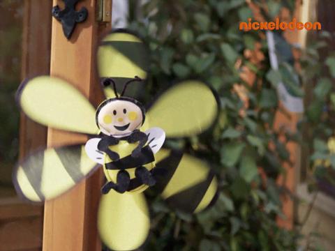 Les abeilles à l'attaque