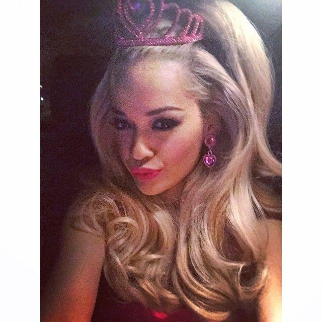Rita Ora tökéletes Barbie-baba lett
