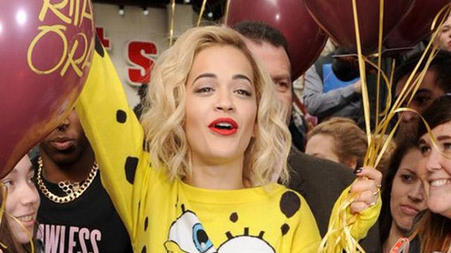 Rita Ora SpongyaBobba öltözött!