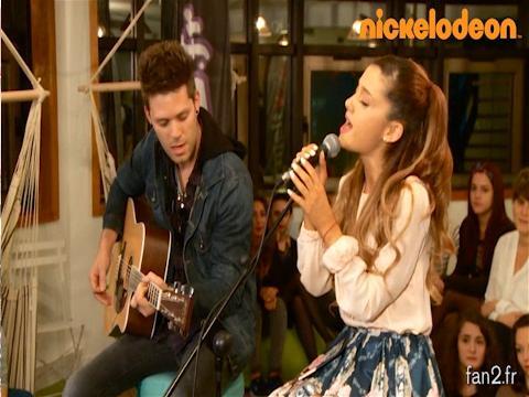 Ariana Grande: Show Case em Paris