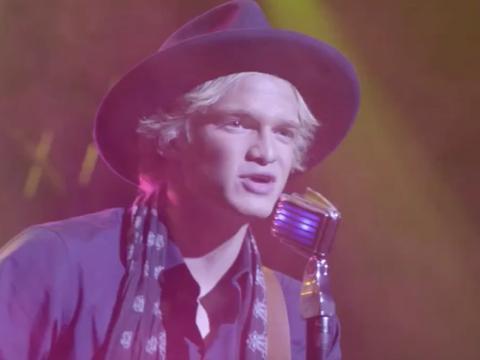 Cody Simpson canta La Da Dee