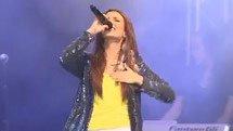 Clip Exclusivo: Tori Cantando 'Make it in America!'