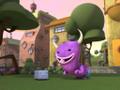 Monster quiere jugar con Marf
