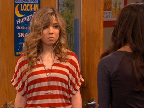 "iCarly: ""iOMG"" Premieres Saturday April 9th!"