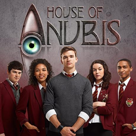 are any of the house of anubis cast dating