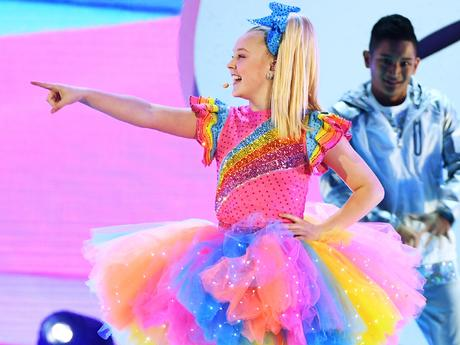 Kids' Choice Awards 2018: JoJo Siwa Performs Top Hits Medley