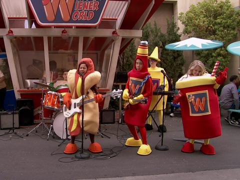 "School of Rock: ""Hot Dog Song"""