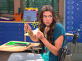 Pero no siempre Phoebe está feliz. Cuando pierde la paciencia, ningun lapiz está a salvo.
