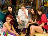 Victorious incontra Justin Bieber!
