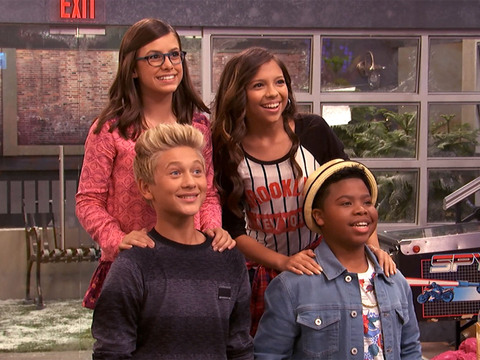 GAME SHAKERS | S2 | Episodio 08 | Osos, traseros y lasers