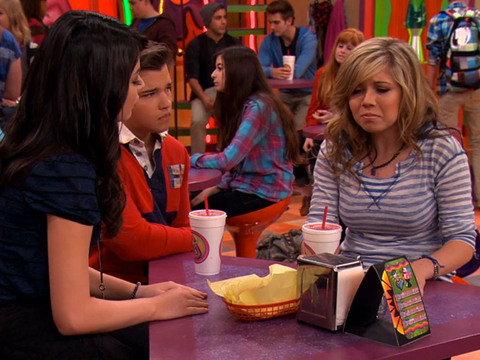 ICARLY | S5 | Episodio 13 | iCarly - La captura del ladrón