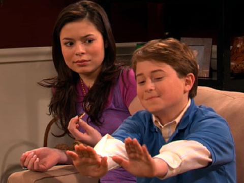 """iCarly: """"iNevel: Tapenade to the Face!"""""""