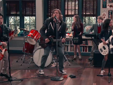 "School of Rock | Short | Clipe ""Lips Are Moving"""