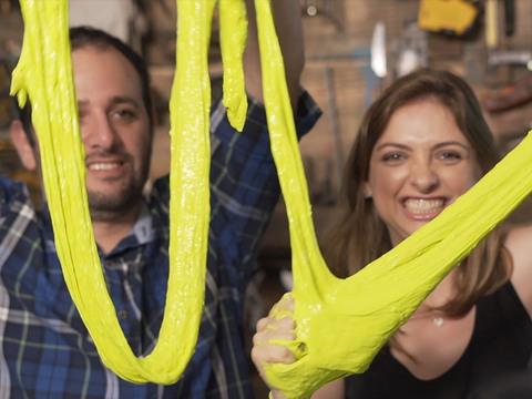 Dia de Brincar | Short | Como fazer slime com Manual do Mundo