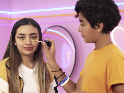 Make me Glam | S1 | Episodio 12 | Webserie | Andrew Ponch me maquilla