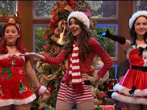 "Tori, Cat y Jade cantan ""It´s Not Christmas Without You"""