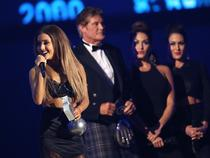 Ariana Grande hatalmasat énekelt az MTV EMA-n!