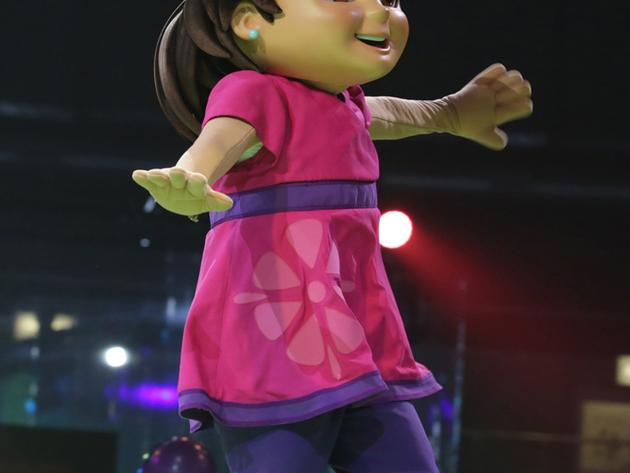 2017 NickFest   Dora and Friends character show