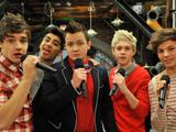 I One Direction cantano con Gibby